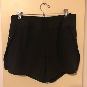 AVIA Shorts Athletic (8-10)Medium